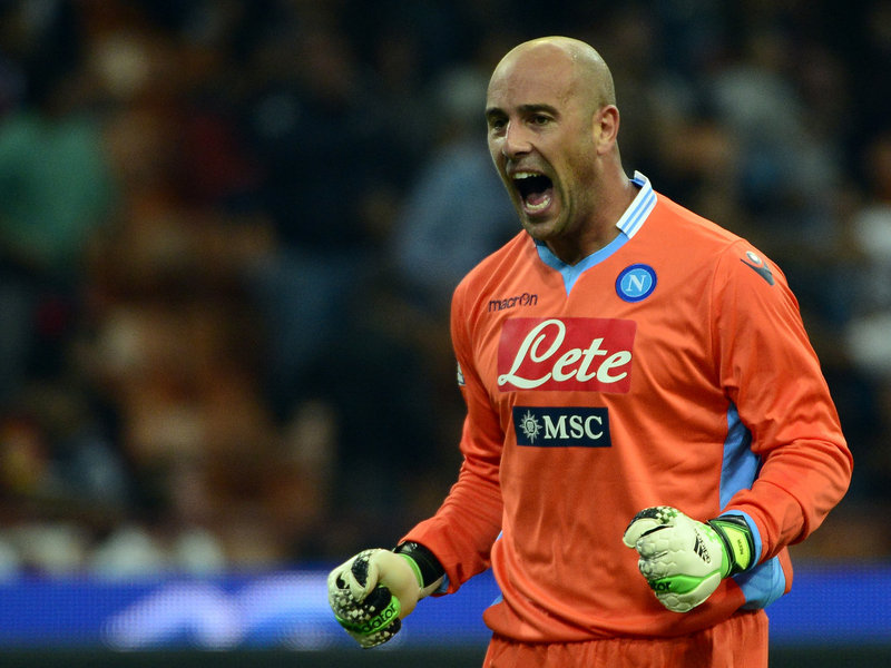 Forza Pepe – Il portiere azzurro Reina può puntare al record di Morgan De Sanctis
