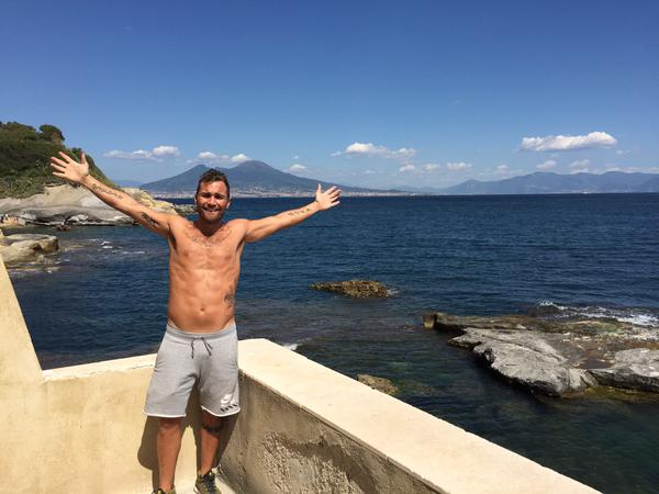 FOTO –  Higuain, il fratello fa gli auguri al Napoli per il suo compleanno