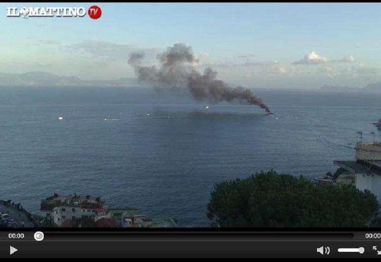 Ecco il video del rogo scoppiato sullo yacht di De Laurentiis