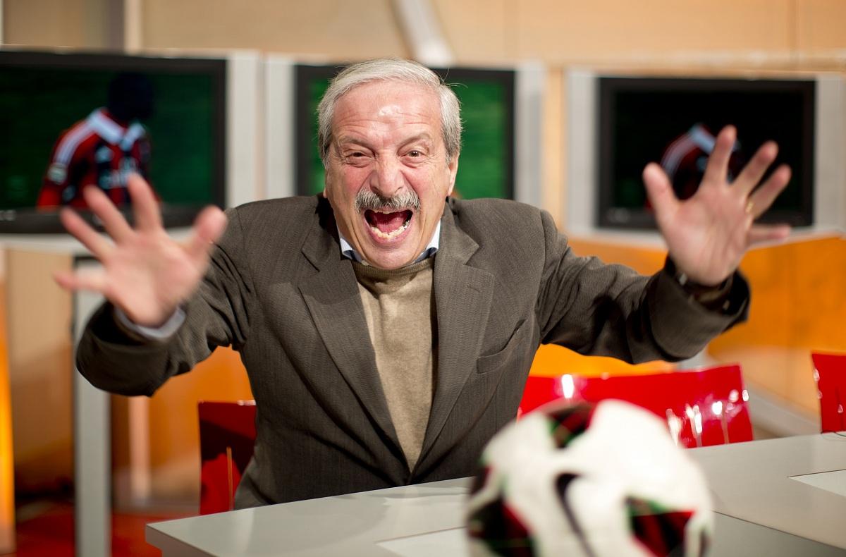 """Tiziano Crudeli: """"Lo spogliatoio del Milan è in gran fermento. C'è stato un grave episodio dopo il Genoa"""""""