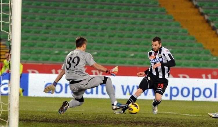 Napoli, Reina verso il prolungamento di contratto