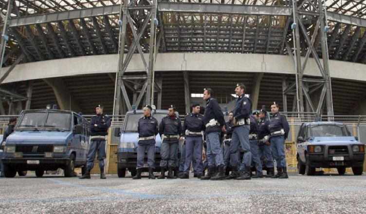 Napoli senza tifosi contro il Milan? Sospesa la vendita dei tagliandi