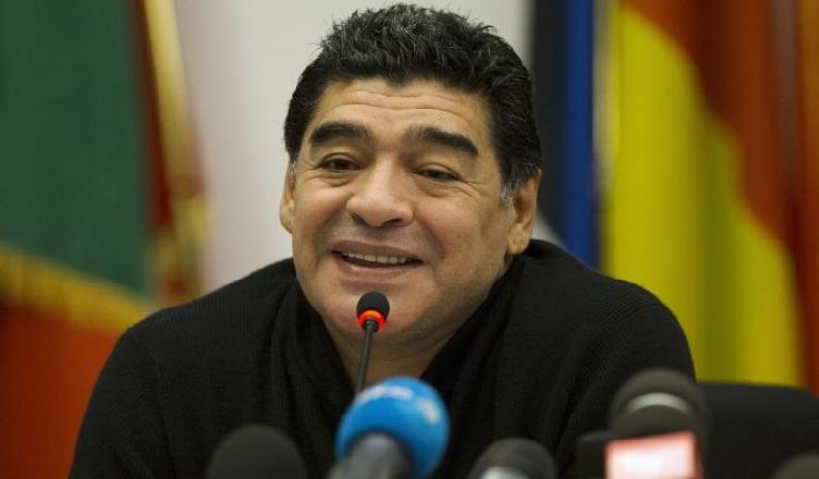 """Maradona: """"De Laurentiis parli di cinema, non di Higuain. Futuro nel Napoli? Ecco come stanno le cose…"""""""