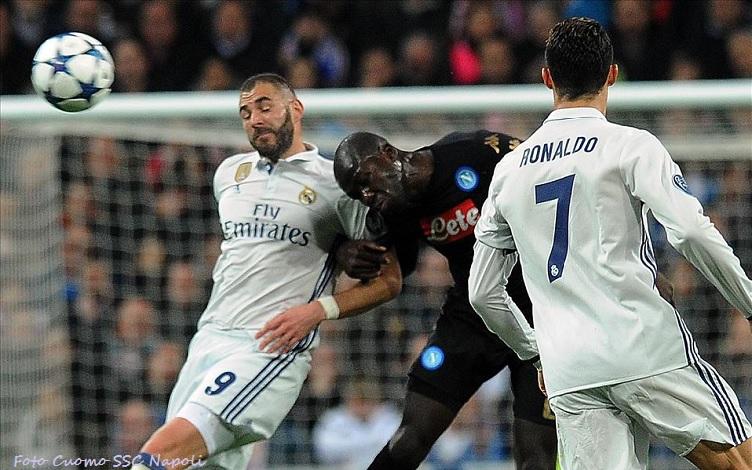 Real Madrid, Benzema firma il rinnovo di contratto