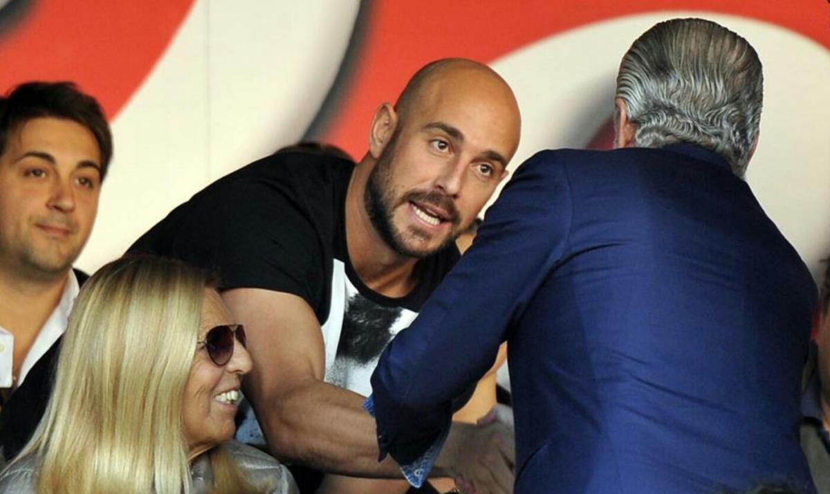 Ex Napoli, Pepe Reina torna in Serie A. Firma con la Lazio