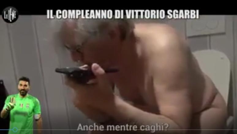 VIDEO – Sgarbi, Buffon, Le Iene e il cattivo gusto! Vittorio la fa in pubblico