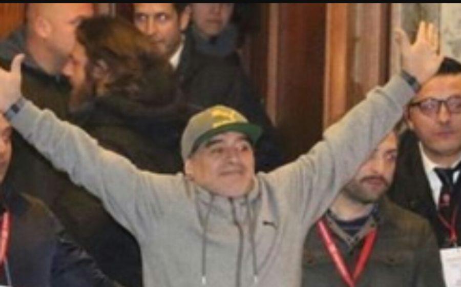 """Maradona, il Codacons attacca: """"No alla santificazione, esempio sbagliato"""""""