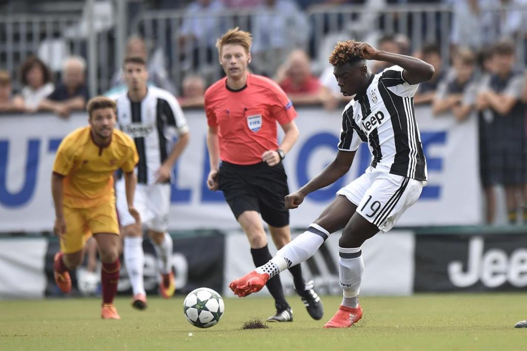 """Juventus, il padre di Kean: """"La Juve ha prposto 700 mila euro, ma non ha mantenuto una promessa. Raiola dice il falso…"""""""