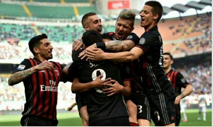 Milan: Napoli all'assalto di un esterno