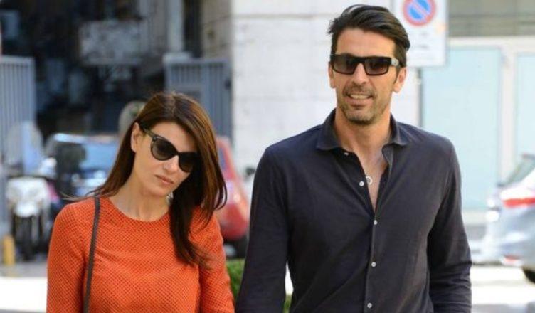 Ilaria D'Amico e Gigi Buffon. Foto piccante sulla barca