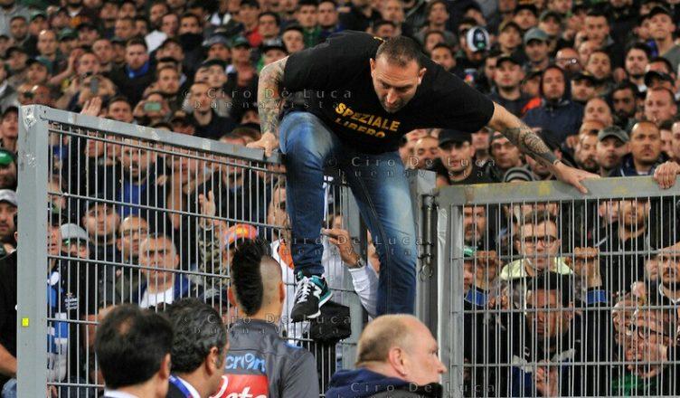 Napoli, 16 arresti per droga