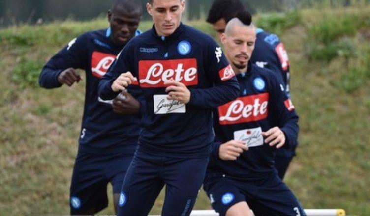 Le ultime su Napoli-Milan: Mario Rui dal 1'. Montolivo titolare