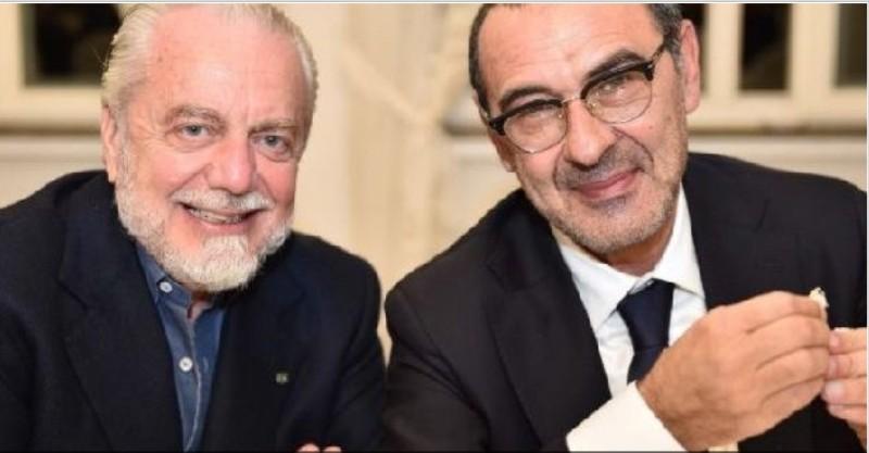 FOTO – Villa D'Angelo, cena di fine anno del Napoli: Sarri stupisce tutti, anche l'account Twitter celebra il momento