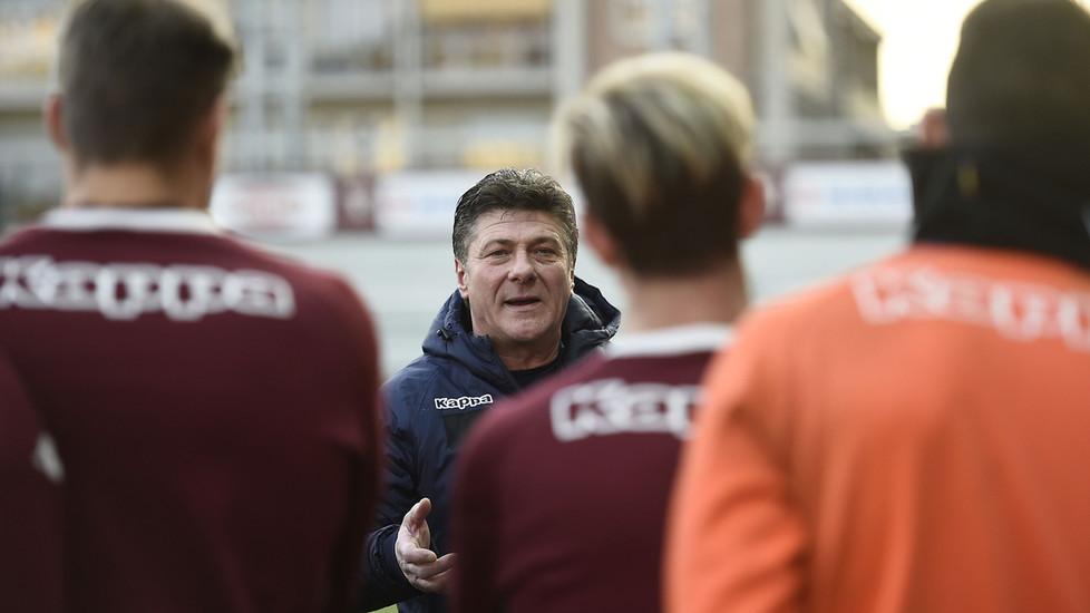 UFFICIALE – Mazzarri sarà in panchina nel derby con la Juventus: ridotta la squalifica