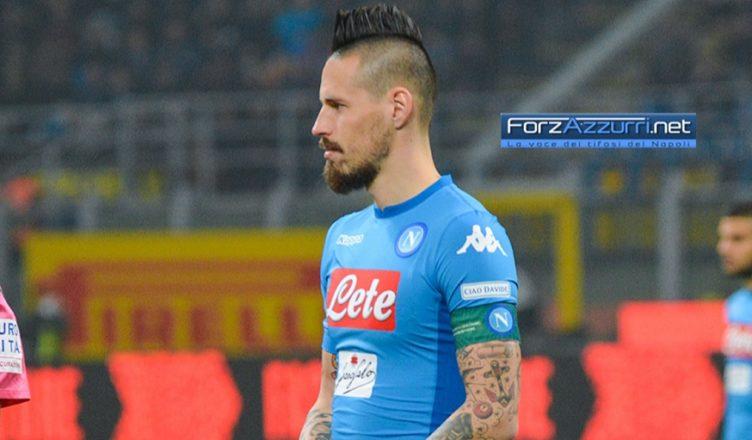 Napoli-Genoa, problema per Hamsik: costretto al cambio