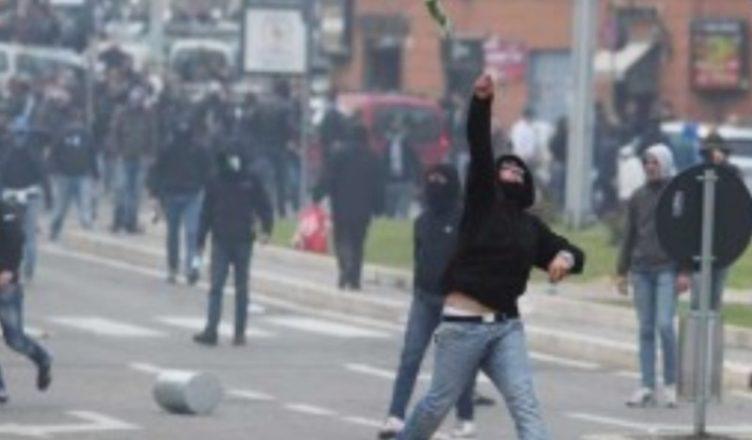 Derby, i tifosi della Lazio cantano