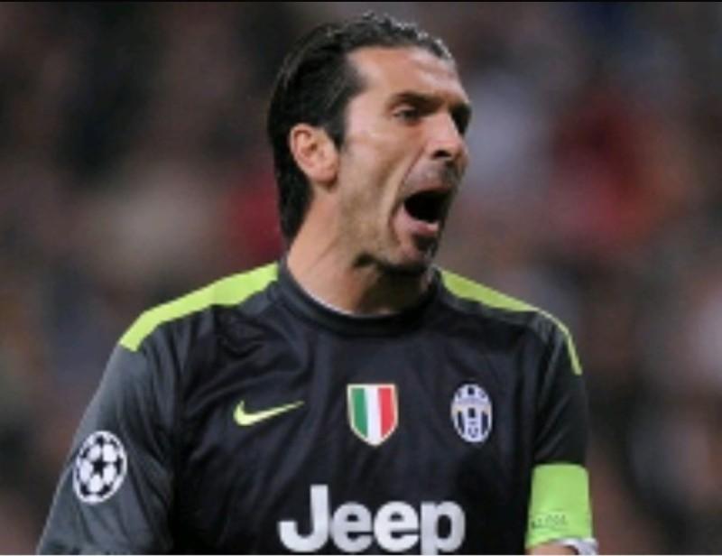 TUttoSport – Crotone-Juve, clamorosa reazione di Buffon dopo il pari: lascia la panchina prima del fischio finale! Allegri e Benatia nervosi…