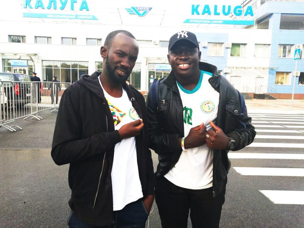 25 ore di viaggio per seguire il Senegal al Mondiale: l'incredibile storia di due tifosi!