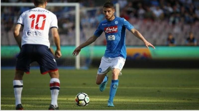 Sportitalia – Il Napoli vuole sbloccare il mercato in entrata cercando di chiudere la trattativa Jorginho-Manchester City! Tre nomi per sostituirlo