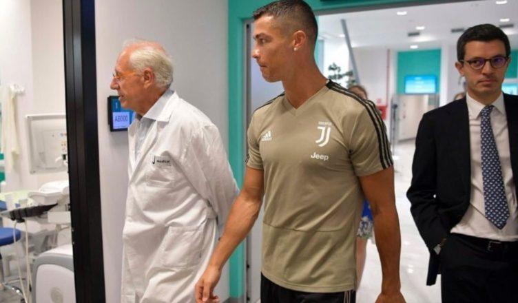 """FOTO - Visite mediche di Ronaldo alla Juve, Pistocchi: """"Ma CR7 lo sa che quel dottore..."""""""