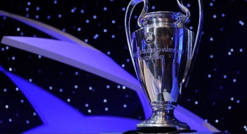 UFFICIALE – Lista UEFA, il Napoli esclude un attaccante per la Champions League
