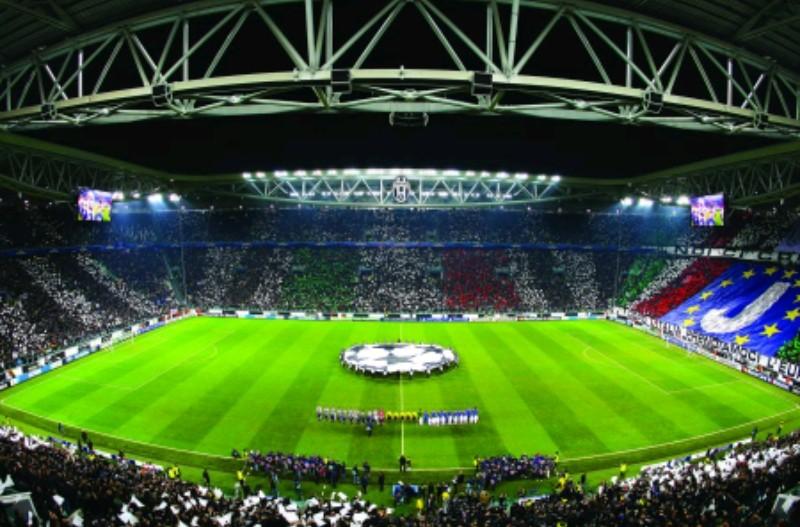 Juve-Young Boys, arrestata la banda che rubava all'esterno dello Stadium durante la partita
