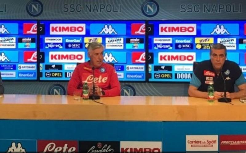 """VIDEO – Ancelotti in conferenza: """"Finora calendario difficile, è un Napoli che mi dà emozioni! Koulibaly tra i migliori che ho allenato. A Mertens ho spiegato che nel vecchio calcio non c'erano le sostituzioni! Su Meret, Younes e Ghoulam…"""""""