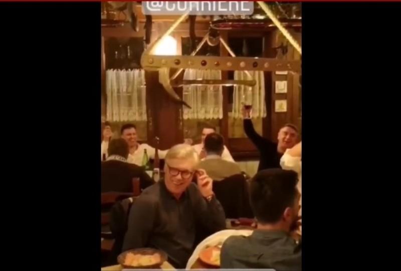VIDEO – Napoli, cena di squadra clima allegro: parte un coro per Insigne. Sentite