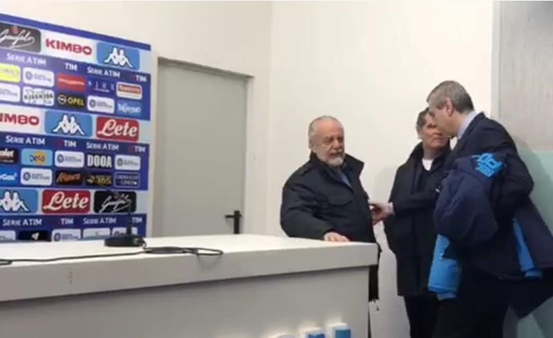 """ADL, bordata per Reina in sala stampa: """"Meret è un grande portiere, para e non tira i palloni dall'altra parte…"""""""
