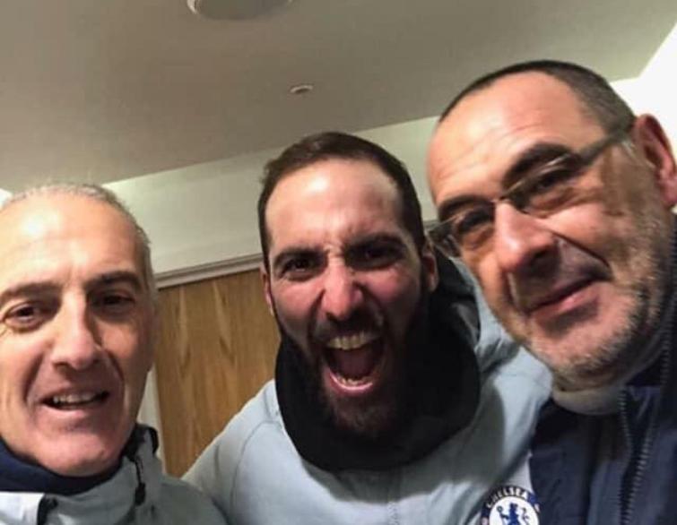FOTO – Gonzalo Higuain già carico al Chelsea