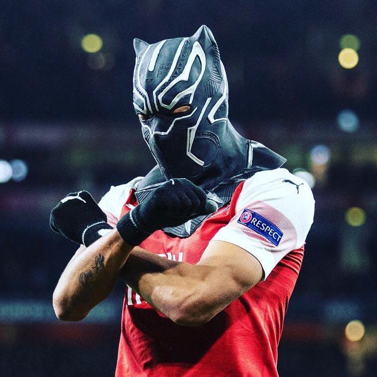 Pierre aubameyang arsenal maschera