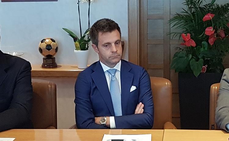 """Dito contro Rizzoli: """"E' pavido, se l'attacchi ti dà sempre ragione!"""""""