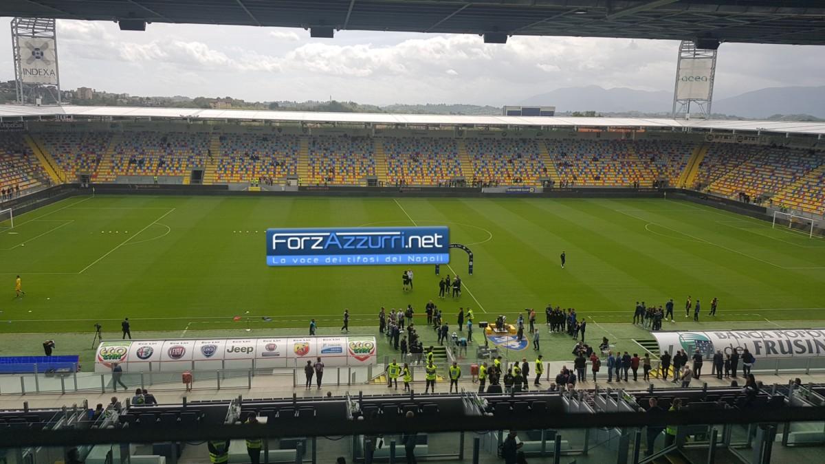 VIDEO – Frosinone-Napoli, cori contro De Laurentiis da parte dei tifosi ciociari!
