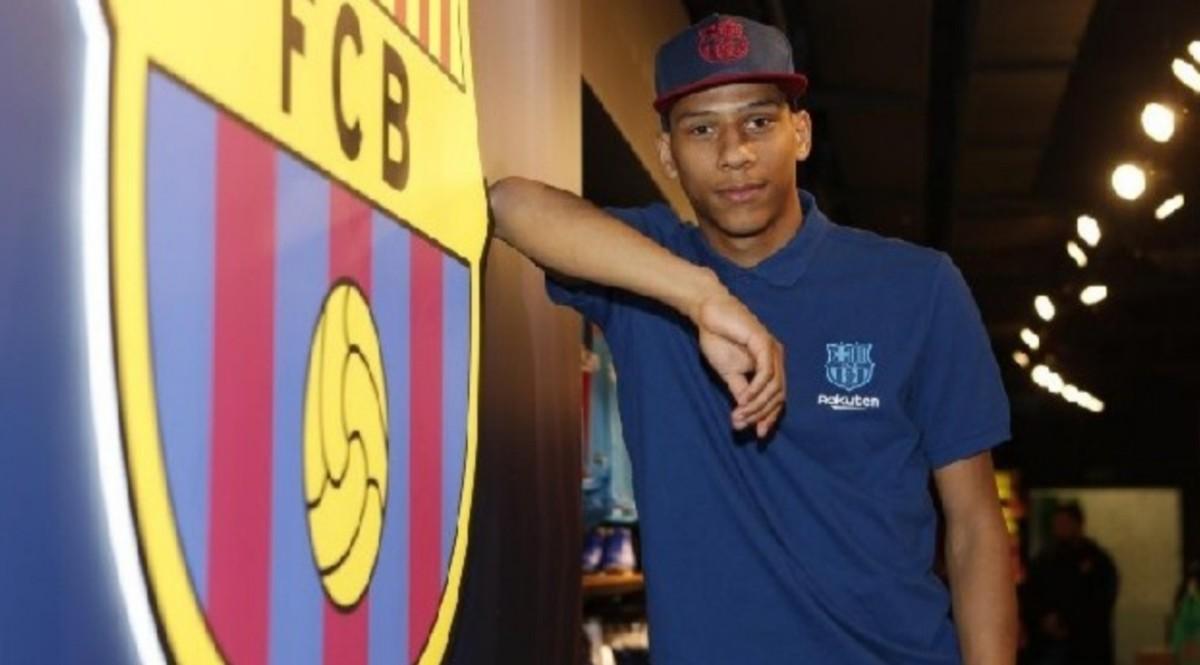 """Todibo, l'agente svela: """"Il Barcellona vuole cederlo in prestito! Piace molto a Giuntoli che mi…"""""""