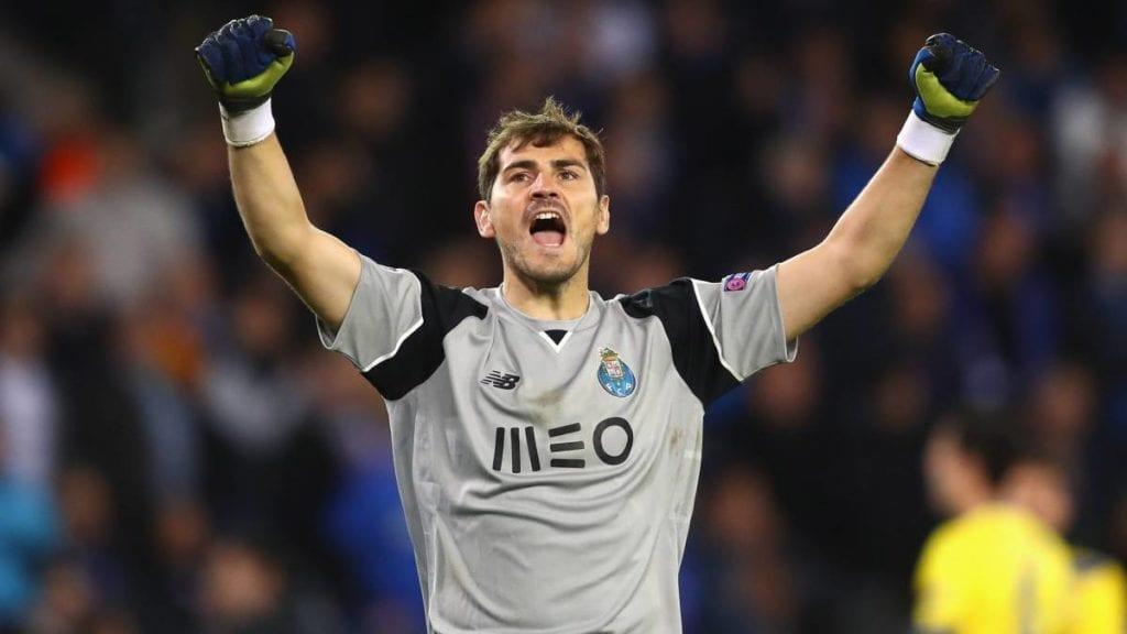 """FOTO – Casillas dall'ospedale: """"Tutto sotto controllo…"""""""