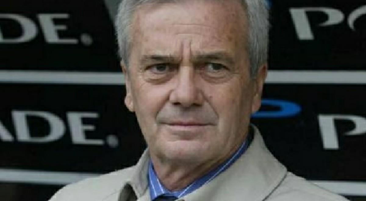 Gigi Simoni, ex allenatore del Napoli è ricoverato in ospedale in terapia intensiva. Le condizioni