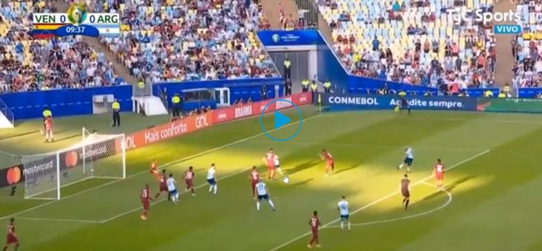 VIDEO – Gol di tacco di Martinez, Argentina in vantaggio