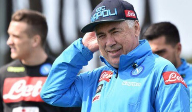 VIDEO – Carlo Ancelotti concede autografi ai tifosi presenti a Dimaro
