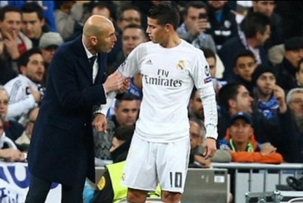 """Dalla Spagna: """"James per il Real è una patata bollente. C'è una curiosità sulla sua  maglietta che può essere un segnale per il Napoli…"""""""