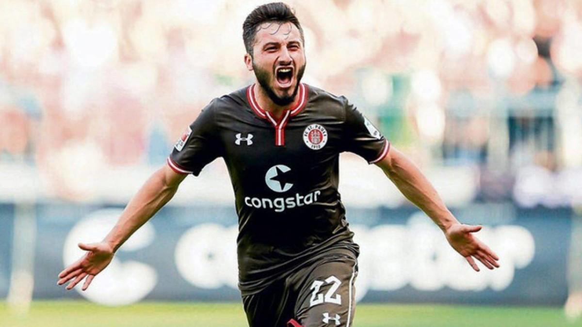 Clamoroso, un club tedesco licenzia un suo calciatore a seguito di un post su instagram