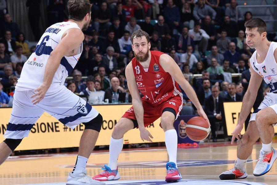 Basket, Serie A 2019 2020, 10^ giornata: il big match è Mila