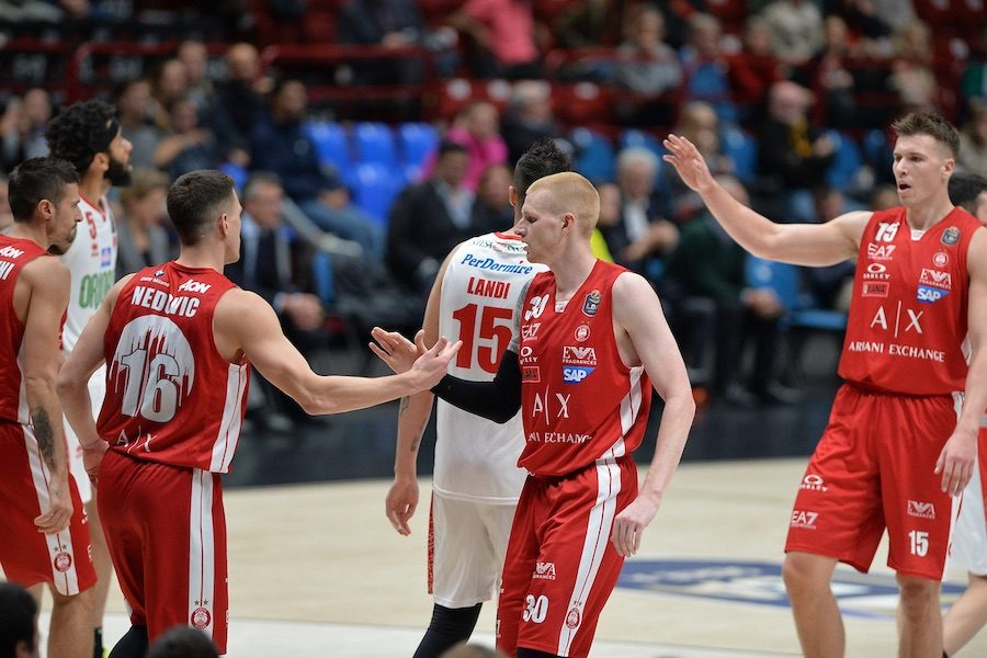 Basket, Serie A 2019 2020: Milano travolge Pistoia nel posti