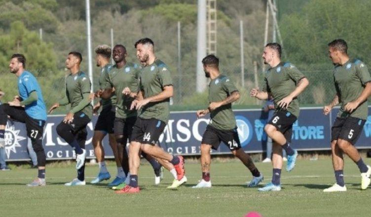Napoli, Borussia Dortmund su Mertens: il belga prende tempo