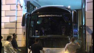 VIDEO – Juventus torna in hotel, l'accoglienza dei napoletan