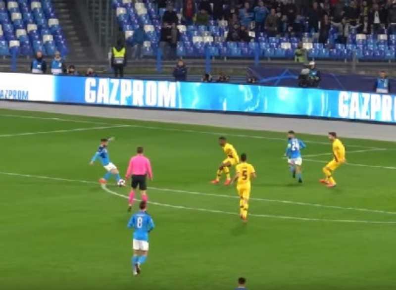 VIDEO – Mertens show contro il Barcellona: il gol ripreso live dalla Tribuna da brividi!