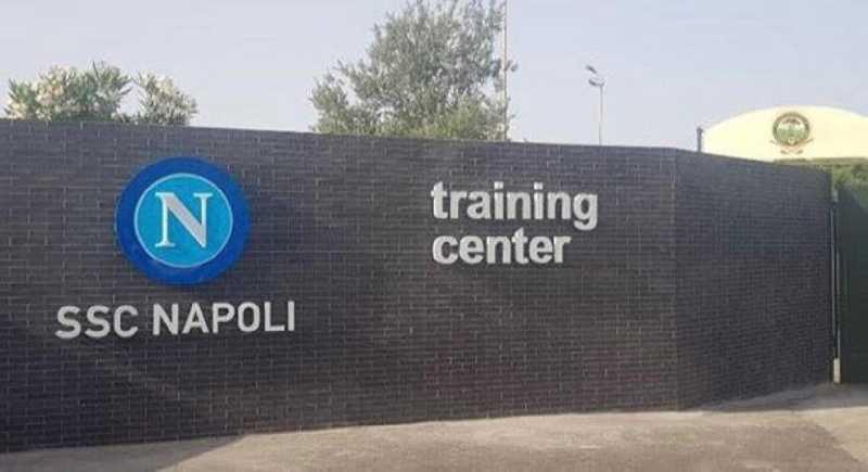 Seduta mattutina per il Napoli al Training Center: Rrahmani e Petagna lavoro in gruppo