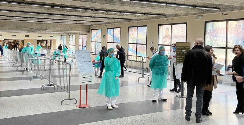 Coronavirus: check point sanitario a pronto soccorso di Brescia