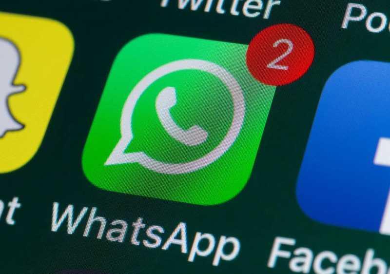Covid-19, WhatsApp cambia: messaggi inoltrati a una sola chat alla volta