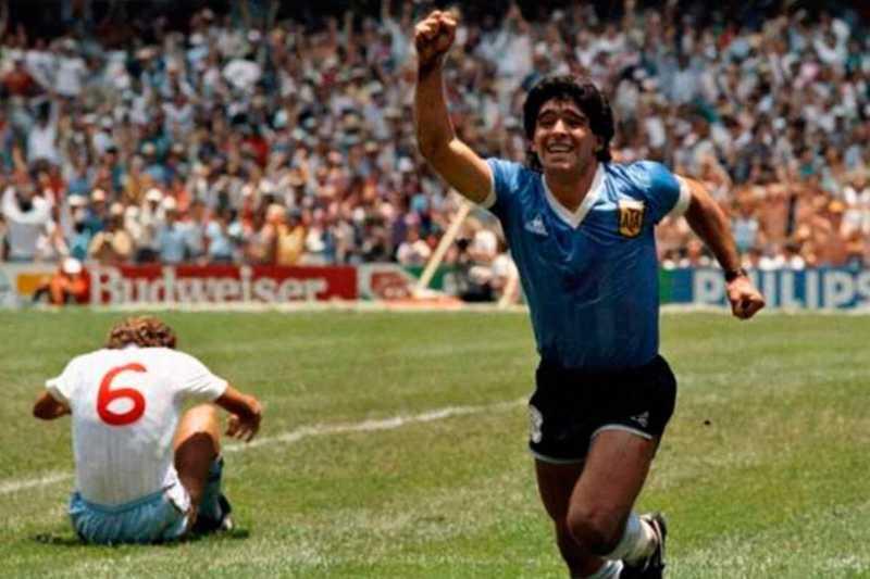"""Storie di calcio – Maradona e la storia """"inglese"""" del gol più bello del mondo"""