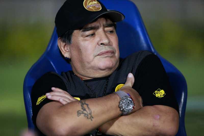 Coronavirus – Argentina, Diego Maradona in isolamento preventivo